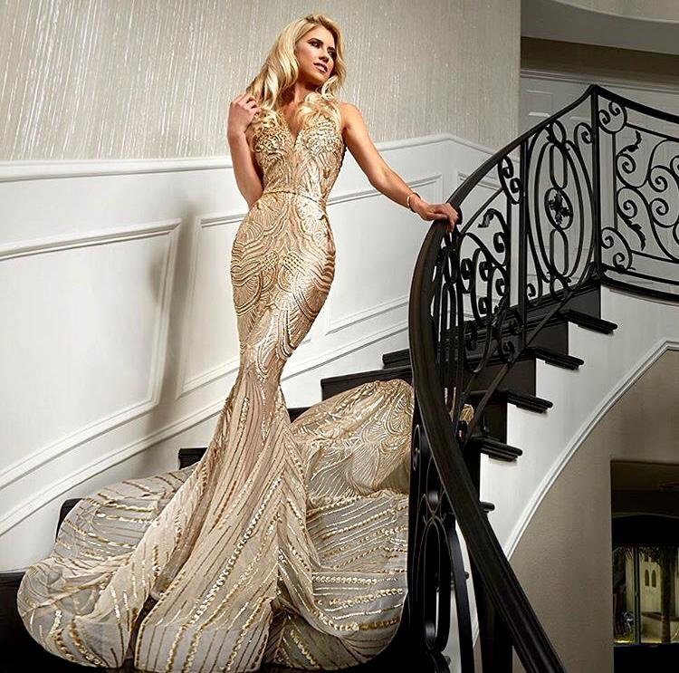 Christina El Moussa in WALTER COLLECTION 'Adriana' gown