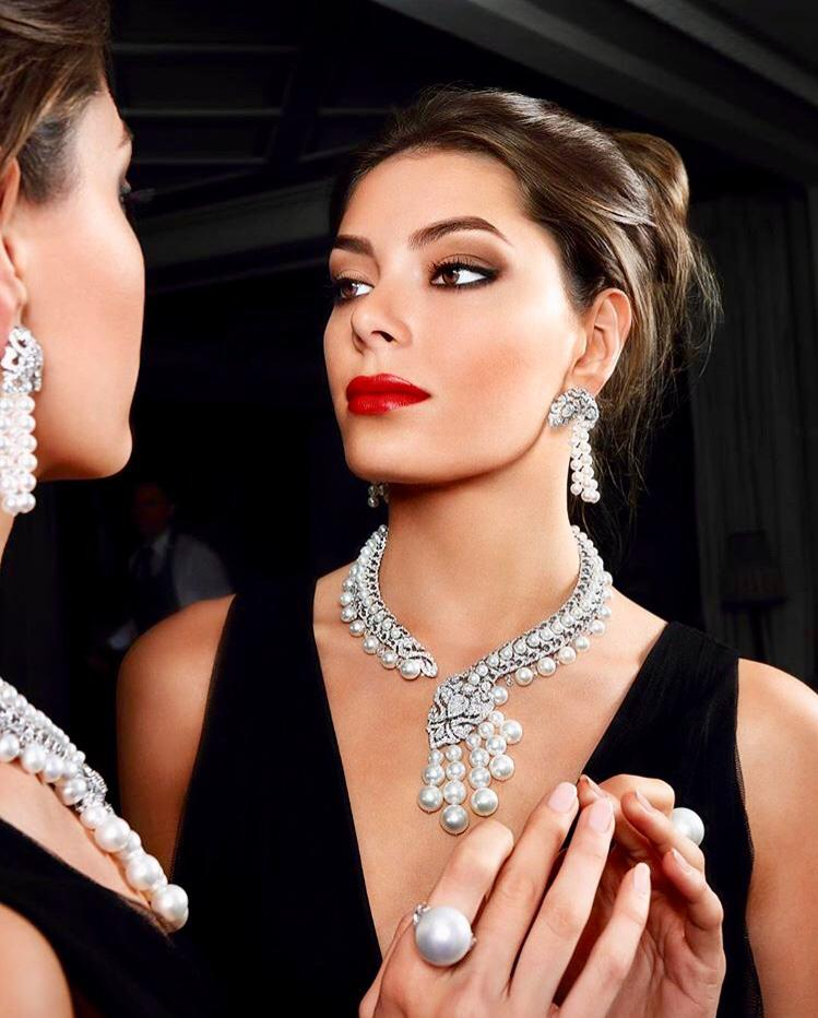 Pearls & Diamonds lustrous South Sea & Akoya Pearls set with flawless diamonds to create a spectacular necklace with matching earrings and an outstanding 20 mm ring set with diamond shoulders. ORLOV JEWELRY
